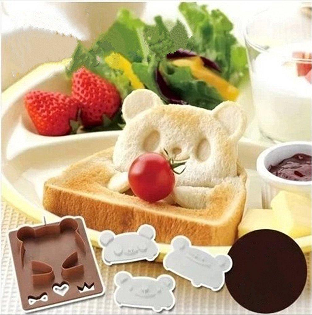 Faire un petit déjeuner original avec l'emporte pièce à pain de mie en forme de Panda