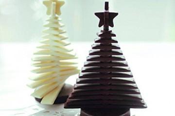 Duo de sapin de noël en chocolat noir et chocolat blanc réalisé avec ce moule à chocolat